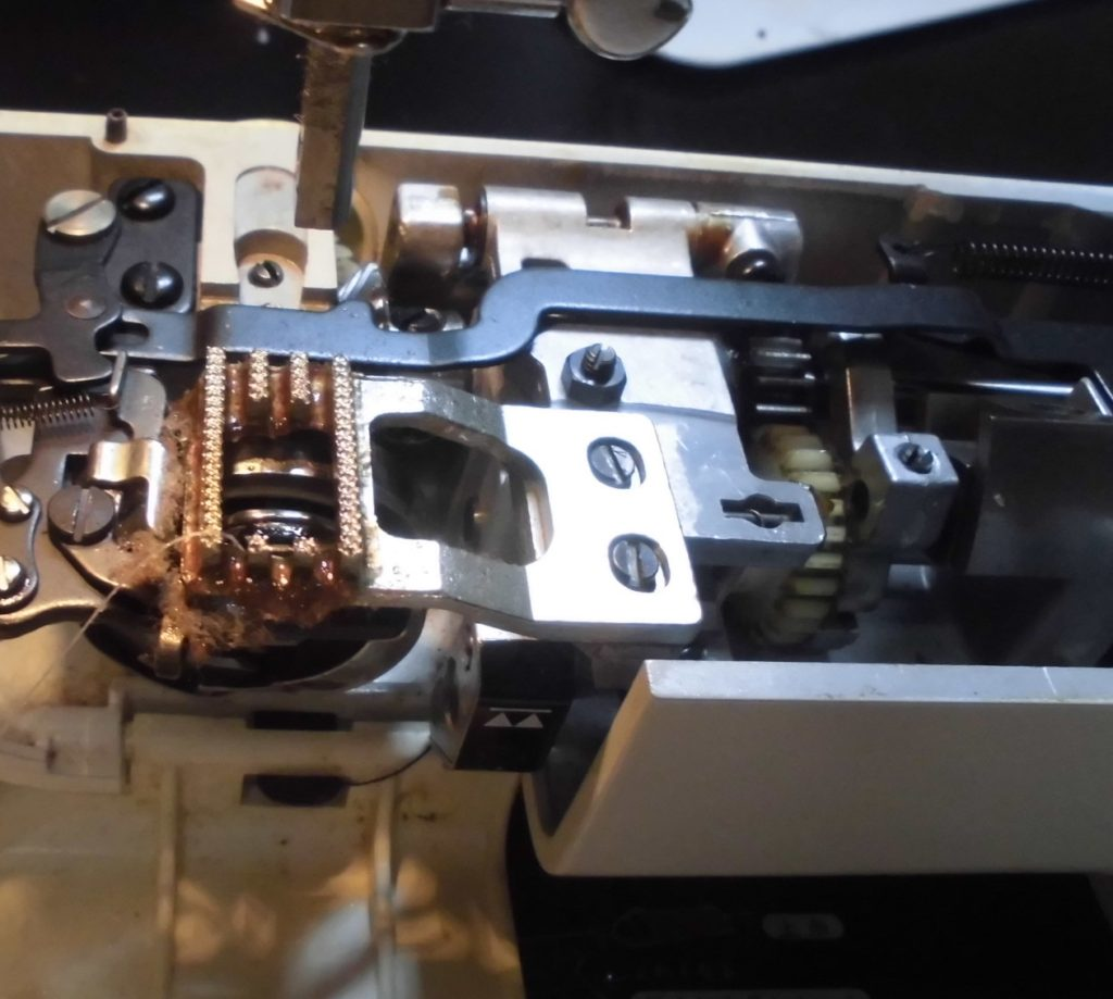 ZZ3-B751の分解オーバーホールメンテナンス修理 brotherミシン COMPAL DX