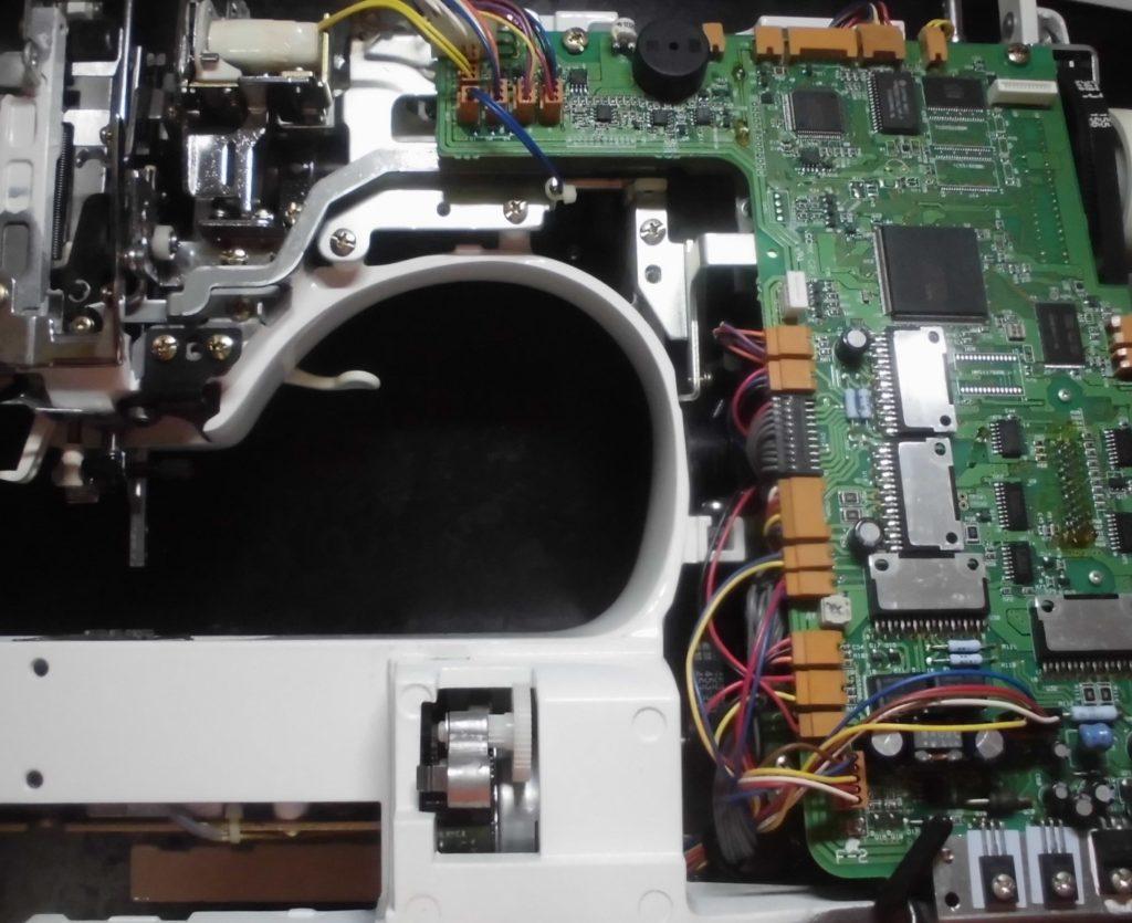 HZL-009の分解オーバーホールメンテナンス修理 ジューキ刺繍ミシン修理