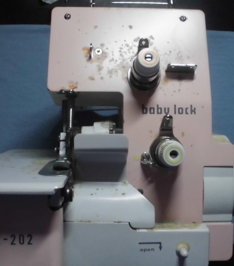 ジューキベビーロックミシン修理|BL2-202|サビ、動かない、はずみ車が回らない