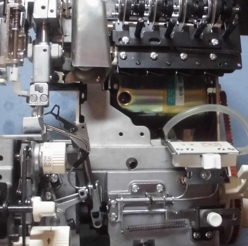 BL5600の分解オーバーホールメンテナンス|ジューキベビーロックミシン(衣縫人シリーズ)