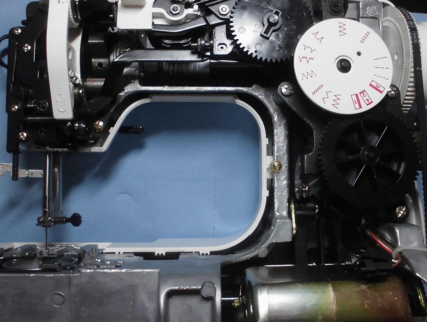 ジャノメミシン JE-3210EXの分解オーバーホールメンテナンス修理